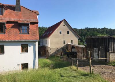 Gebäude auf dem 'Gute Laune Hof'